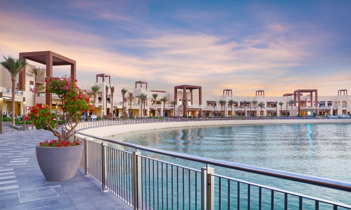 The_Pointe_at_Palm_Jumeirah-700x420.jpg
